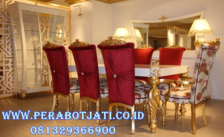 Set Meja Makan Mewah Gold Modern