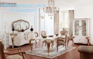 Set Kursi Makan Untuk Makan Klasik