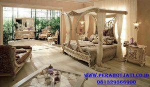 Set Tempat Tidur Canopi Untuk Kamar Tidur Pengantin Mewah