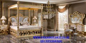 Set Tempat Tidur Raja Mewah Ukir Model Kanopi