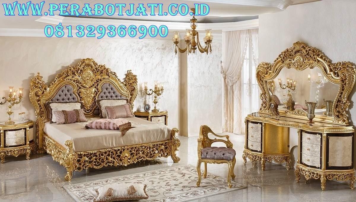 Set Kamar Tidur Gold Desain Ruang Utama Klasik