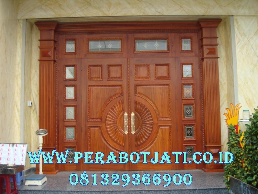 Pintu Utama Jati Dengan Jendela Gendong